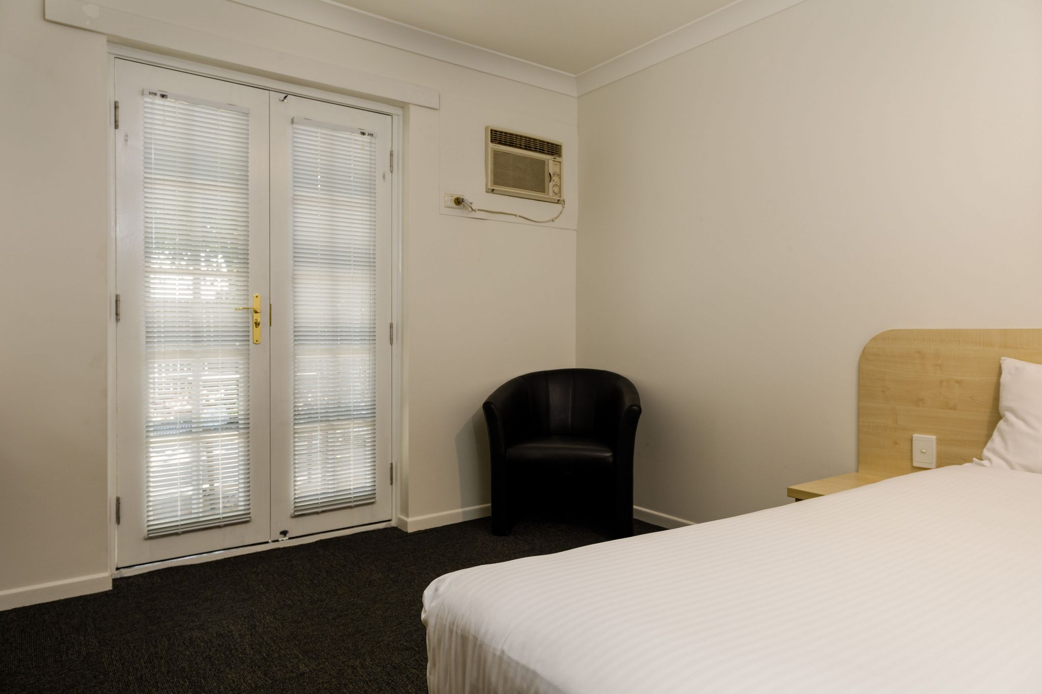 Waterloo Bay Hotel - Motel Accommodation - Byrneside Queen Motel Room 2